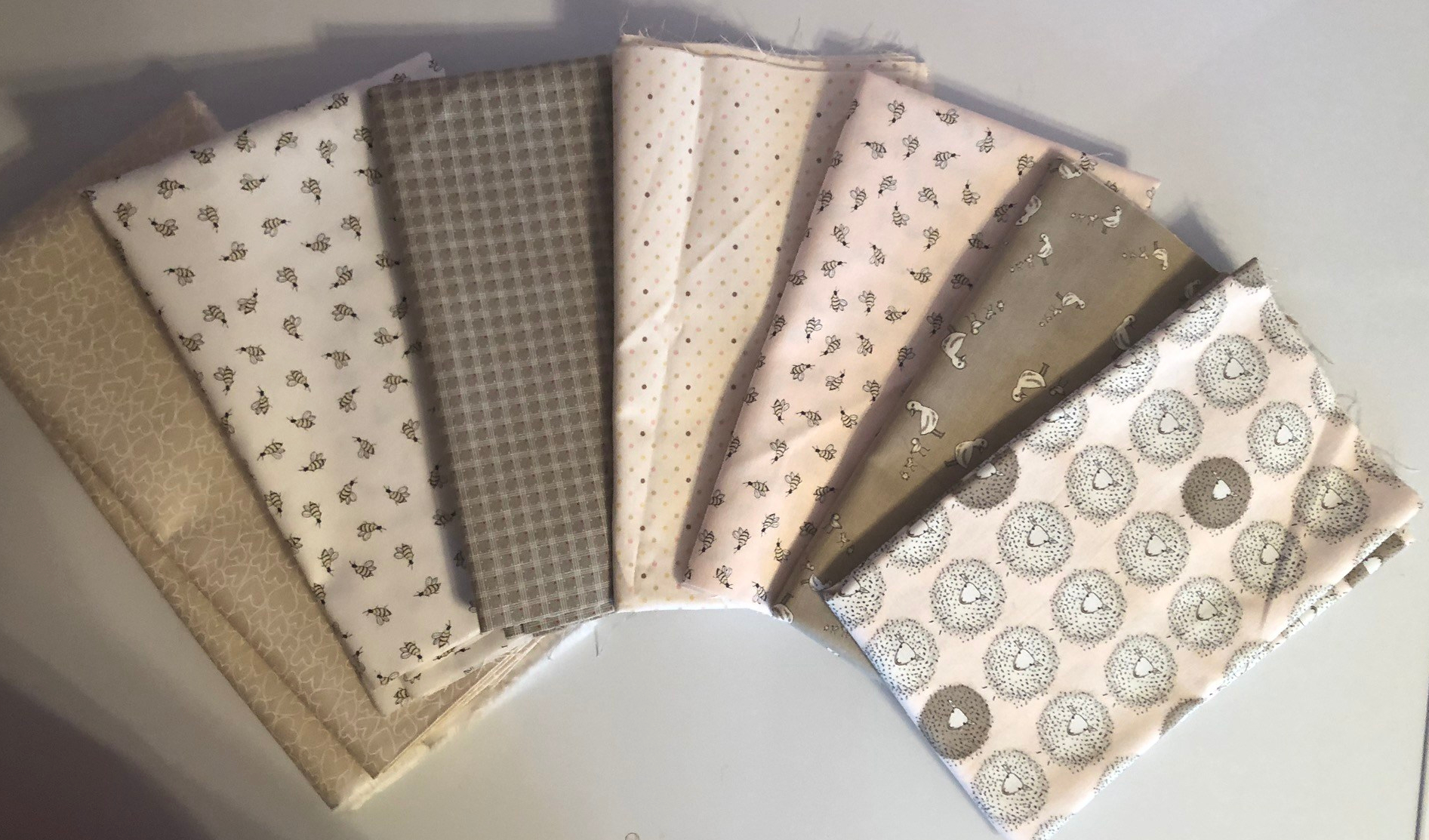 Dainty Dickens quilt fabric